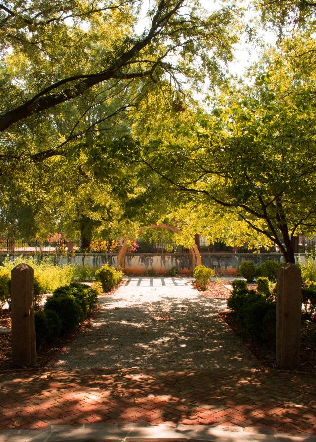 Hampton garden arch