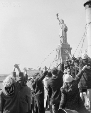 Children Waving to Statue of Liberty